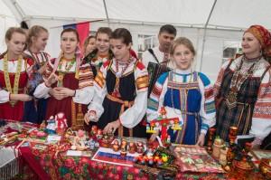 Die russische Gruppe präsentiert sich auf dem Euro-Markt in Olpe (Quelle: djo Merkstein)