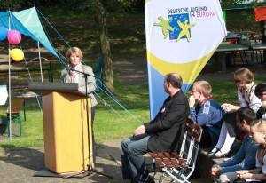 Staatssekretärin Kaykin fand bei ihrer Ansprache treffende Worte (Foto: Stefanie Gradt)
