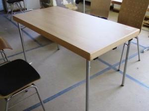 Die Entscheidung für die neuen Stühle und Tische war nicht leicht. (Quelle: Rainer Burggraf)