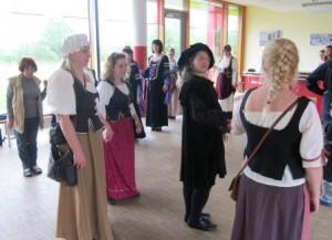 Das Outfit passte und auch die Tanzschritte und Abläufe wurden schnell gelernt. (Quelle: djoNRW)
