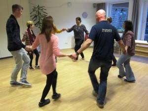 Auch Neulinge im Tanz fanden schnell den richtigen Takt. (Quelle: Dr. Christian Kahl)