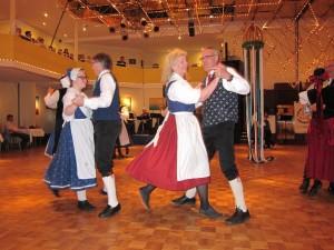 Die Freude am Tanzen verbindet den Folklorekreis Gütersloh. (Quelle: Dr. Christian Kahl)