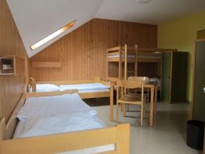 Die Zimmer für die jungen Flüchtlinge stehen bereit. An Sachspenden fehlt es noch. (Quelle: Dr. Christian Kahl)