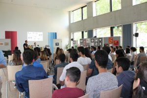 Das Interesse war groß. Viele Jugendliche waren gekommen, um sich über das neue Projekt zu informieren (Quelle: Martina Aras)
