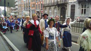 Gut gelaunt präsentierte sich der Folklorekreis Gütersloh beim Festumzug (Quelle: www.folklorekreis.de)