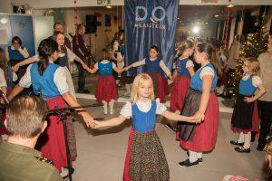 Die Kindergruppe Quieselchen beim Sterntanz (Quelle: Rainer Wieners)