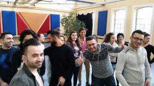 Mit guter Laune nehmen die Jugendlichen an dem Seminar teil (Quelle: Nora Liebetreu)