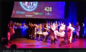 #VIDEO# Die Gruppe Sternchen (13-17 Jahre) holte sich den Jurypreis. (Quelle: Raissa Myachkova/Der Spaß)