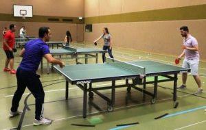 Viel Freude und Ehrgeiz haben die Jugendlichen bei dem Tischtennisturnier (Quelle: djoNRW/AJM)
