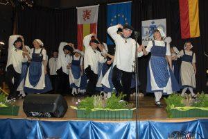 Flotte Tänze und gute Laune bestimmen das Jubiläum zum 70-Jährigen. (Quelle: djo Merkstein)