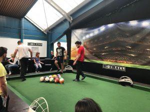 Beim Poolball kommt es auf Ballgefühl, Köpfchen und Spaß an (Quelle: Schimscha Jugend e.V.)