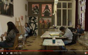 Im Video festgehalten: Die Video-Gruppe besuchte die malende Gruppe im Atelier.