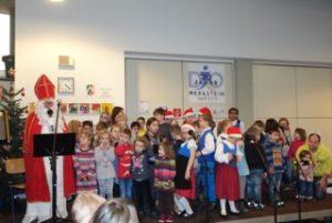 """Auch der Nikolaus besucht die """"Merksteiner Sternstunden"""" Meyer (Quelle: djo Merkstein)"""