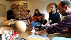 Viele Jugendliche nahmen an den Angeboten teil, die das Projekt ermöglichte, z.B. an einem Musik-Workshop in Paderborn (Quelle: Nora Liebetreu)